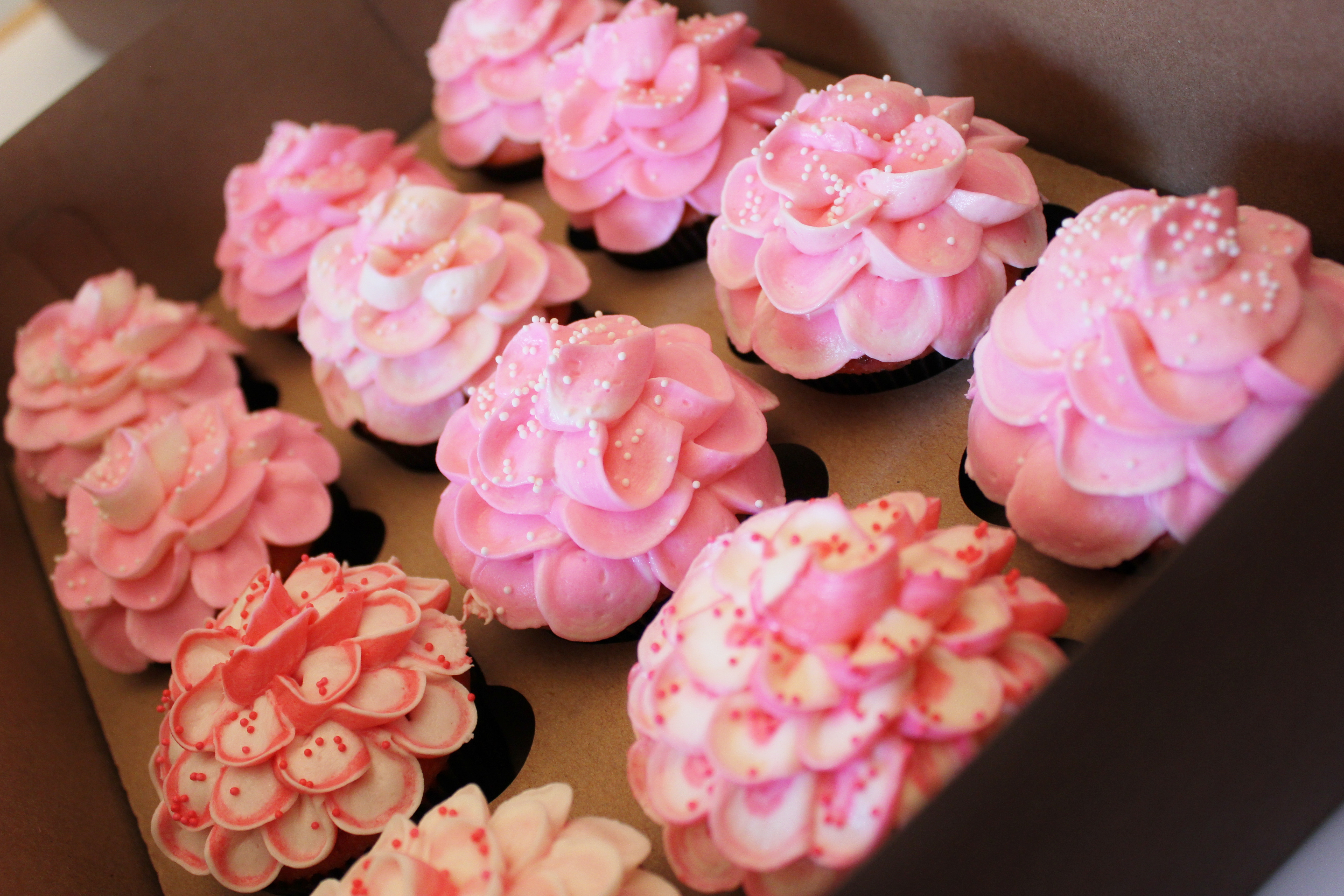 Shades Of Pink Flower Cupcakes For The Bride Cupcakes By Rach